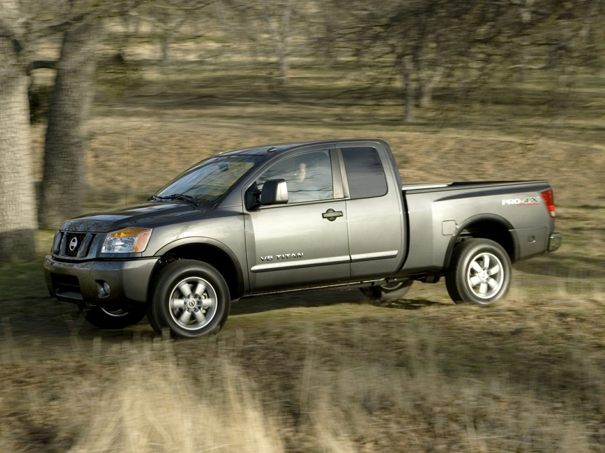 Pre-Owned 2010 Nissan Titan SE