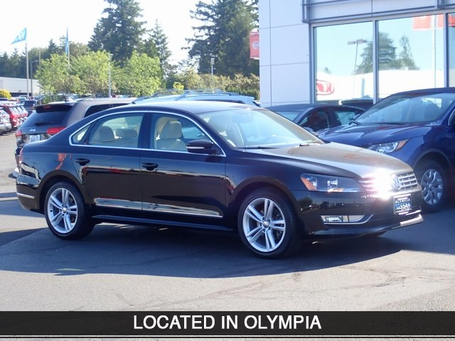 PRE-OWNED 2014 VOLKSWAGEN PASSAT TDI SEL PREMIUM WITH NAVIGATION